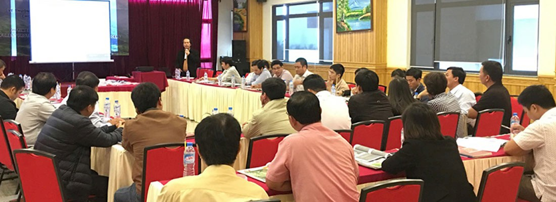 Vietnamese governmental and Customs representatives learn how to identify commercial timber species © TRAFFIC