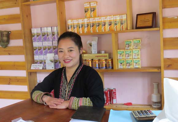 The Sapa Napro company processes and trades locally sourced medicinal and aromatic plants to generate income for cooperatives